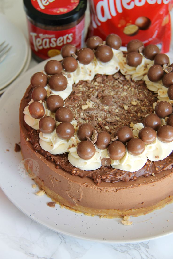 Delicious & Chocolatey Malteser Cheesecake – Malt Biscuit Base, Chocolate Malt Cheesecake, Malteser Spread, Sweetened Cream, and Maltesers! Perfect Showstopper for any occasion! This cheesecake is...