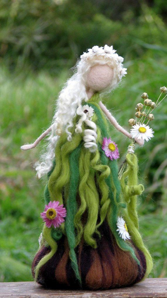 Hadas primavera muñeca arte inspirado en Waldorf