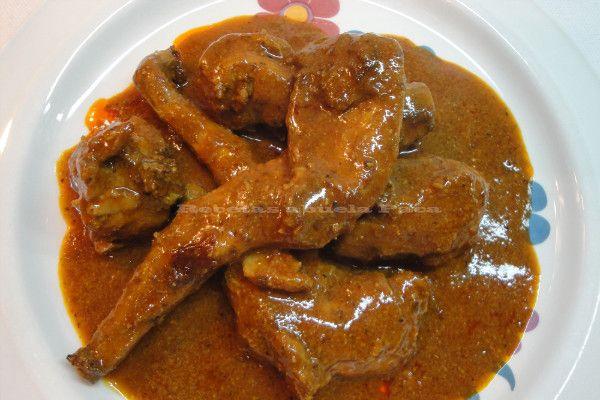 Plato típico de Almería, la salsa está como para mojar una barra de pan entera.