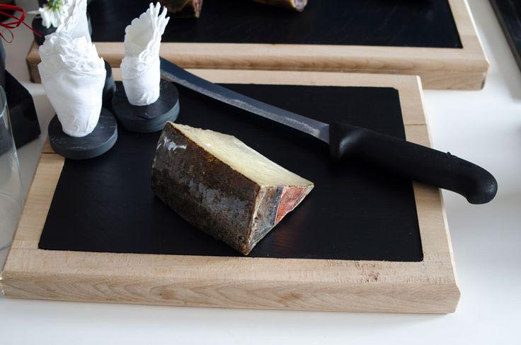 Tabla para quesos de 44X27 para plato de 40X22 #slate #boards #slate #ardoise #ardosia #decoração #decoracion #decoration #décoration #pizarra #cocina #cuisine #cozinha