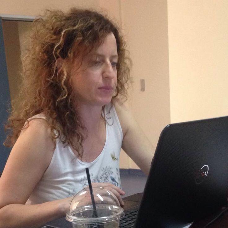 Στιγμιότυπα από την επίσκεψη της γυναικολόγου αναπαραγωγής κας. Αγλαΐας Κουτσογιώργου στην Καλαμάτα. Με αφορμή του εορτασμού της Ημέρας Γονιμότητας (15 Ιουνίου), η γιατρός συναντά ζευγάρια που χρειάζονται τις συμβουλές του ειδικού γιατρού στην προσπάθειά τους για επίτευξη εγκυμοσύνης. #gennimaivf #gennimaivf_team #kalamata #ttc #ivf