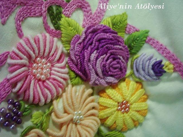 Flowers in 3D - Brazilian embroidery