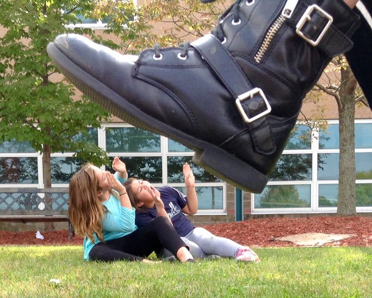 Art Ed Central loves this example of forced perspective in photography.