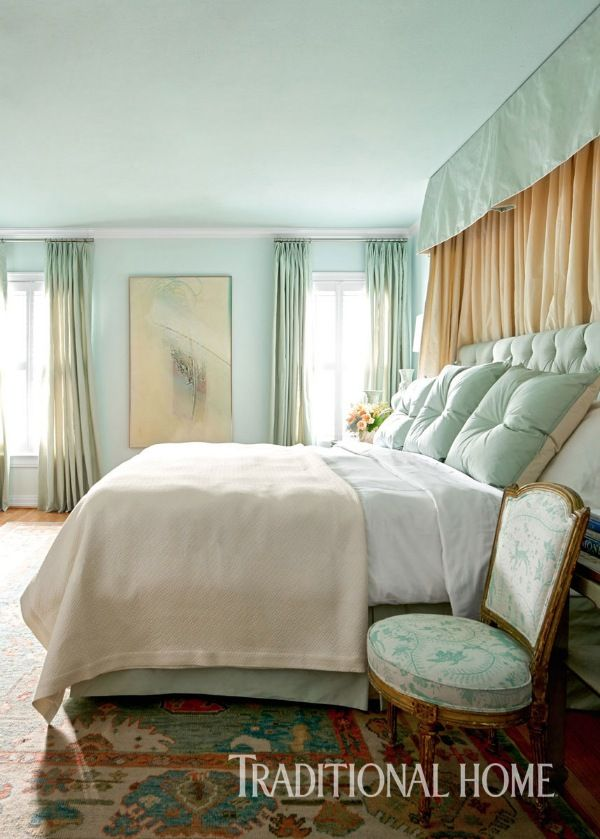 Celadon hues on fabrics and walls—even the ceiling—wash the private retreat in blissful serenity. - Photo: Nathan Schroder / Design: Michelle Nussbaumer