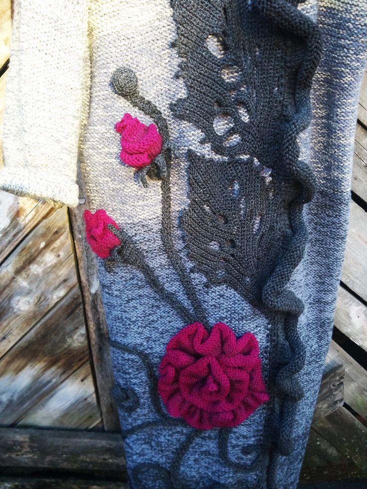декор пальто связан спицами вручную