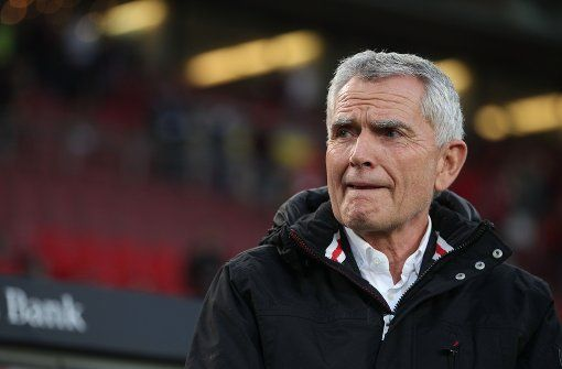 Das Derby zwischen dem Karlsruher SC und dem VfB Stuttgart rückt näher. Der neue VfB-Präsident Wolfgang Dietrich appelliert an die Fans.