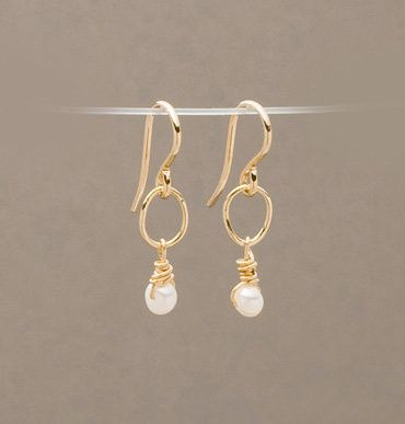 Armitage Simple Link with Pearl Drop Earrings