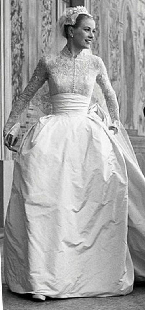 The most iconic wedding dress of all time, donned by Grace Kelly.