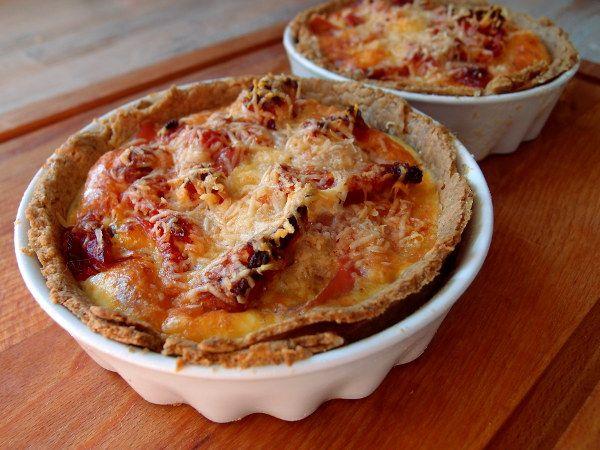 Minitærter med skinke og soltørrede tomater