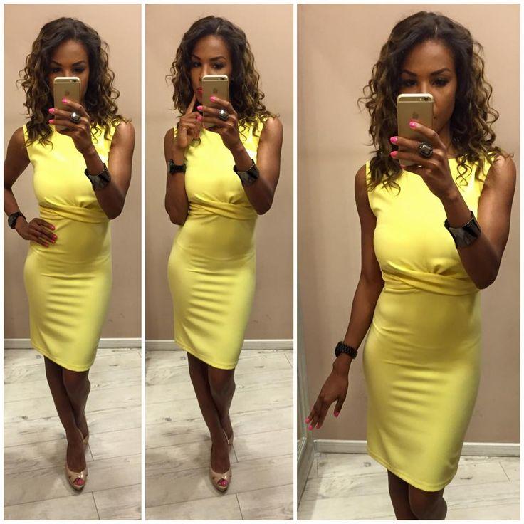 A kevesebb, több elvét követve, ez a ruha egyszerű, de nagyszerű :)!