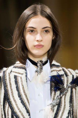 Inverno 2018 è trovare il taglio medio perfetto per i capelli CASTANI
