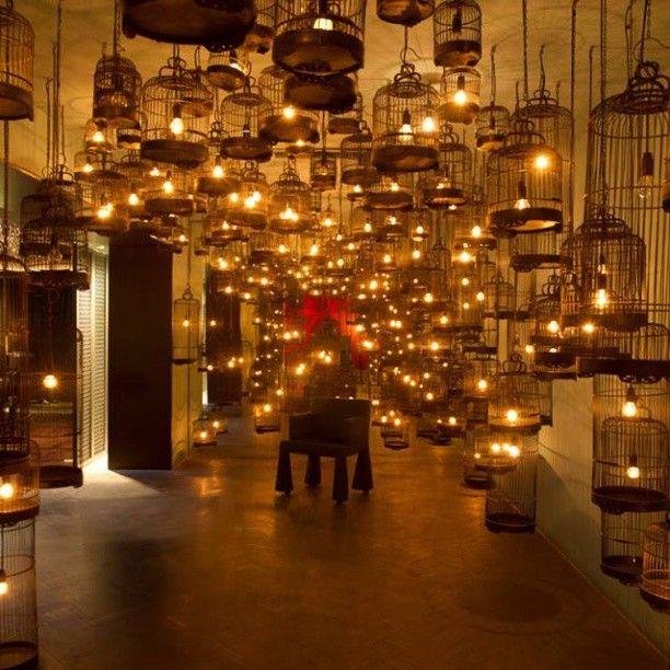 Whampoa Club, em Pequim, China. Projeto do escritório Neri and Hu. #design #iluminação #light #lighting #lightingdesign #conceito #concept #interior #interiores #artes #arts #art #arte #decor #decoração #architecturelover #architecture #arquitetura #design #projetocompartilhar #davidguerra #shareproject #whampoaclub #pequim #beijing #china #neriandhu