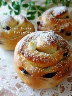 「●ブルーベリーフロマージュロール。」ChococoHS | お菓子・パンのレシピや作り方【corecle*コレクル】