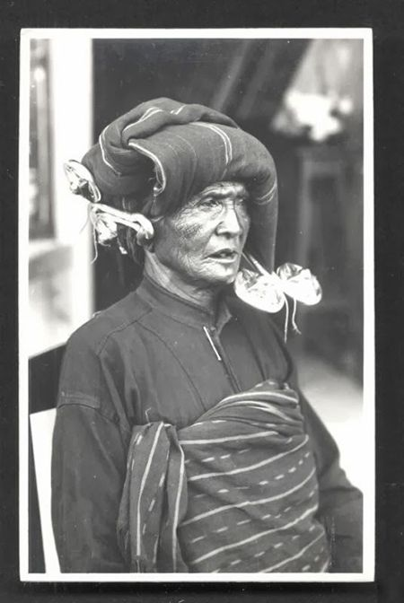 An elderly Batak woman, Sumatra (c. 1919)