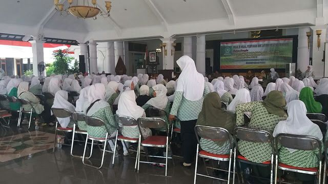 Fatayat NU Pati Adakan Pembinaan Anggota dan Seminar Kesehatan Wanita http://ift.tt/2xHq2hx