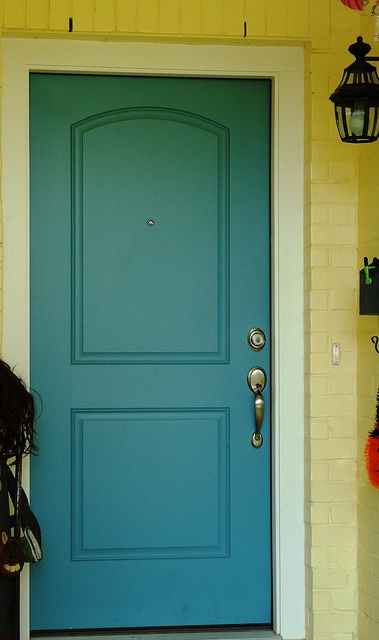 Yellow brick + teal door! That\u0027s a big YES at Village Homes. & 18 best Village Homes: Front Doors images on Pinterest | Front ... Pezcame.Com