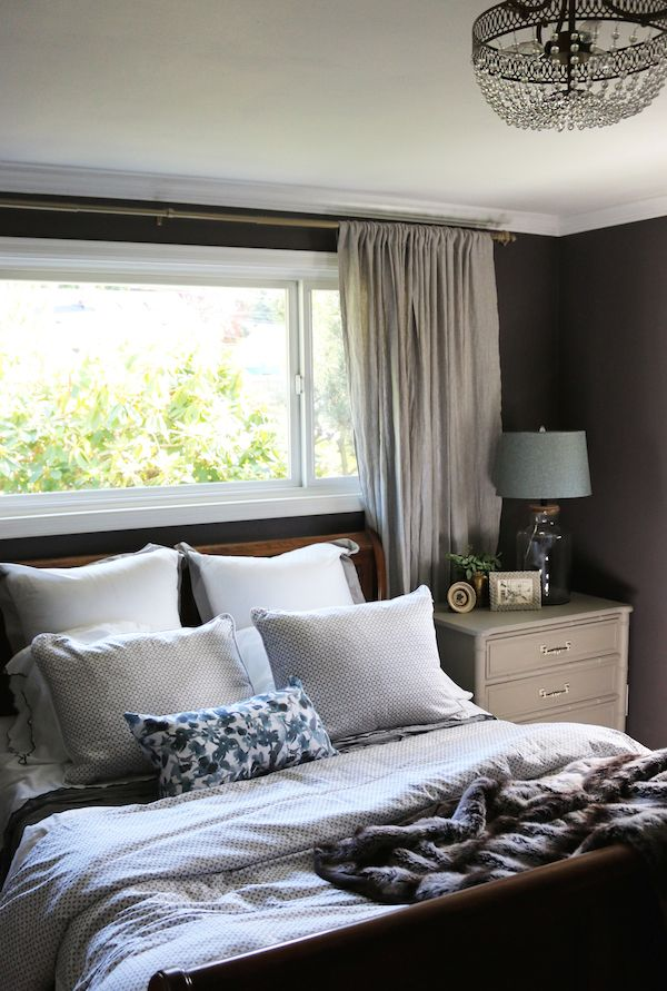 Exceptional How To Make Your Bed So It Makes Your Day (Crane And Canopy | Cozy Small  Bedrooms, Plum Walls And Plum Paint