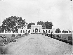Amsterdam Gate (Amsterdamsche Poort) or Pinang Gate (Pinangpoort) in Batavia ca. 1857-1872. It was demolished and remains nothing.
