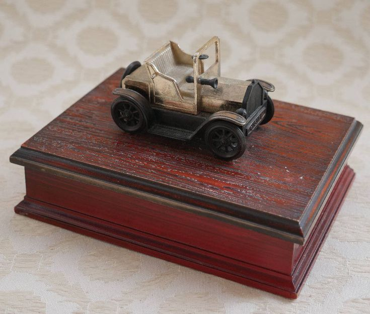 Playing Card Box, Playing Card Holder, Vintage Model Car, Plastic Wood Effect, Double Pack Card Box, Card Holder, Card Deck Box, Small Box by RetroEtCetero on Etsy https://www.etsy.com/listing/524916165/playing-card-box-playing-card-holder