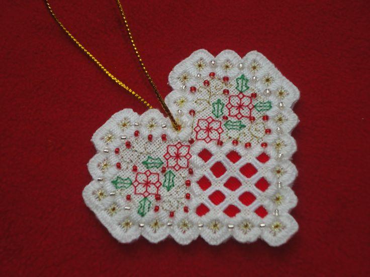 Humming Needles: Hardanger Ornaments - Readers's Creations