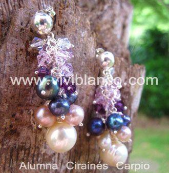 Aretes / Zarcillos en cascada de perlas cultivadas y cristales de swarovski.