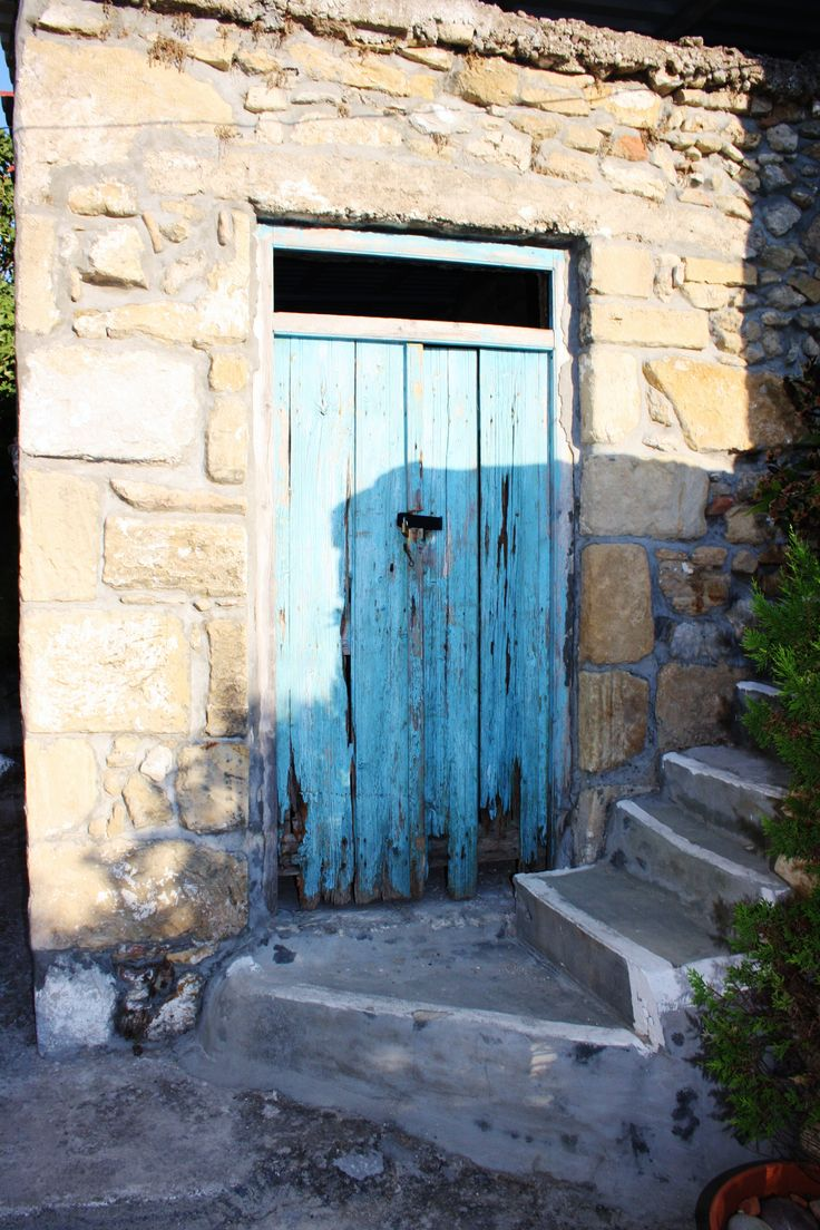 Old House. Turquoise. door. Crete. greece.  Photo: http://se.pinterest.com/berggren_f