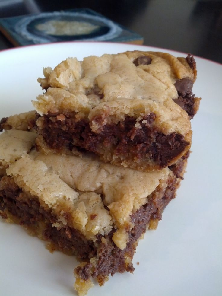 These chocolate chip cookie bars are soooooo good and easy to make!!  NO mixer needed!