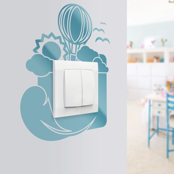 Dekoracja na ścianę do pokoju dziecięcego. Naklejka, która tchnie w pokój bajkowy klimat a dodatkowo ochroni farbę na ścianie przed zabrudzeniami.