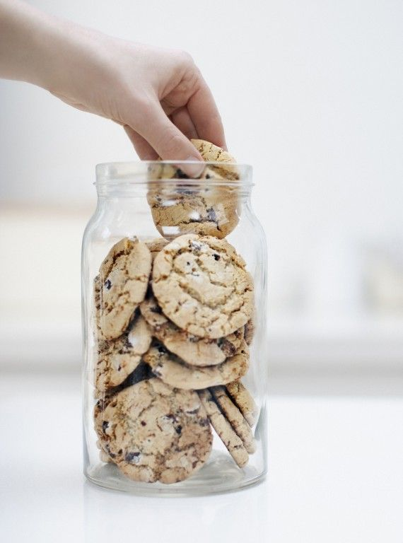 Banish soggy biscuits - Put sugar cubes in your biscuit tin to keep them fresher. The cubes will absorb any moisture, which makes your biscuits last longer.