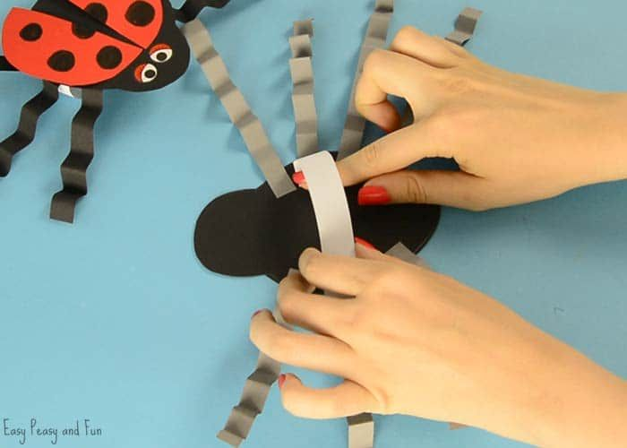We have another addition in our bug puppets series, this time around we are making one of my least favourite (arachnophobiac here) creepy crawlies spiders with our spider paper hand puppet template.*this post contains affiliate links* While I generally do not fear bugs, when it comes to this 8 legged creepy crawlie I am terrified …