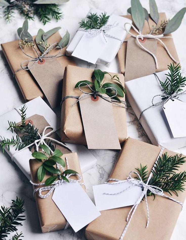 Bricolage de Noël : des emballages cadeaux au style végétal - On se lance dans le bricolage de Noël ! - Elle