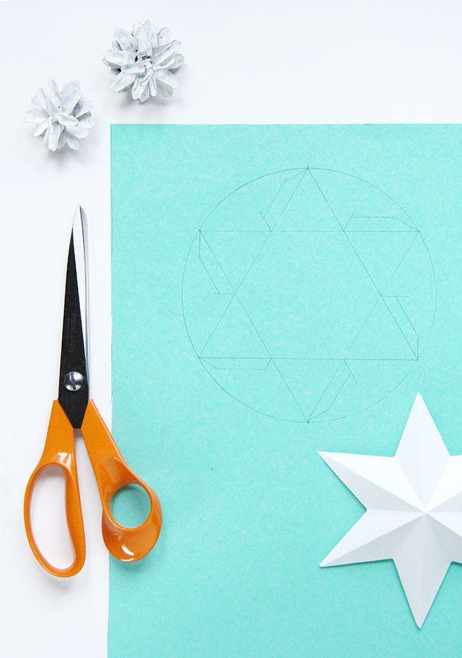 DIY paper star lights http://www.pinjacolada.com/2015/12/diy-paper-star-lights.html?utm_source=feedburner&utm_medium=email&utm_campaign=Feed%3A+pinjacolada%2FrmCC+%28Pinjacolada%29