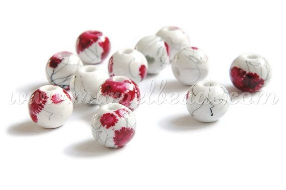 €2.00 10 pieces White Porcelain Beads with Pink Flowers by Margelbeads