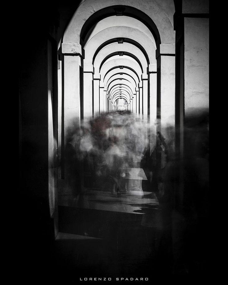 #daylight #naturallight  #instagood #bestoftheday #globe_captures  #follow4follow #igtoscana #igerstoscana #centofoto #instagood #instadaily #instamood #ig_global_life #ig_italy #igersitalia #igfriends_italy #gf_italy #fotografia_italiana #volgo_toscana #bw #streetphotography #longexposure #fujifilm #fujixseries  #xpro2 #firenze