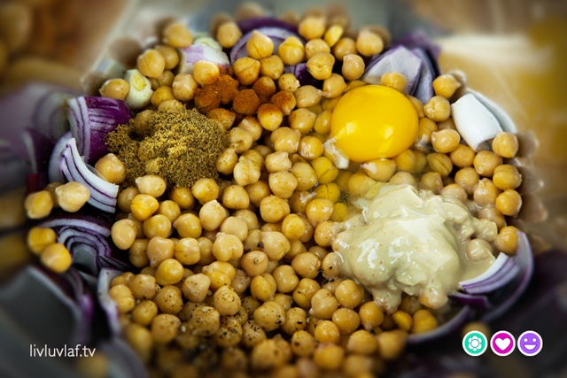All the ingredients for our baked falafel. So colourful. :)