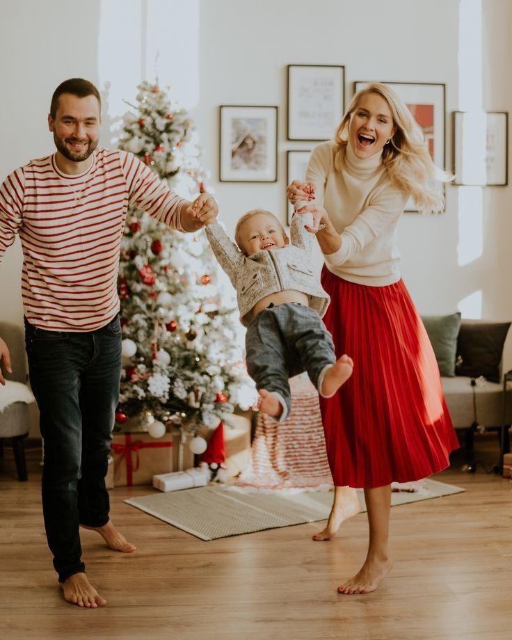 доход для всей семьи | Детские новогодние фото, Семейные ...