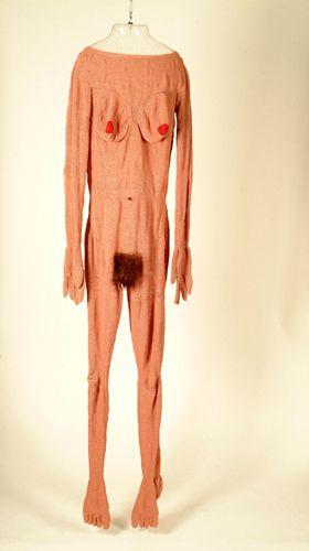 Skin ('03 -'12)   Sarah Maloney  400,000 glass beads, nylon thread, acrylic armature  42 x 23 x 170 cm  2003-12