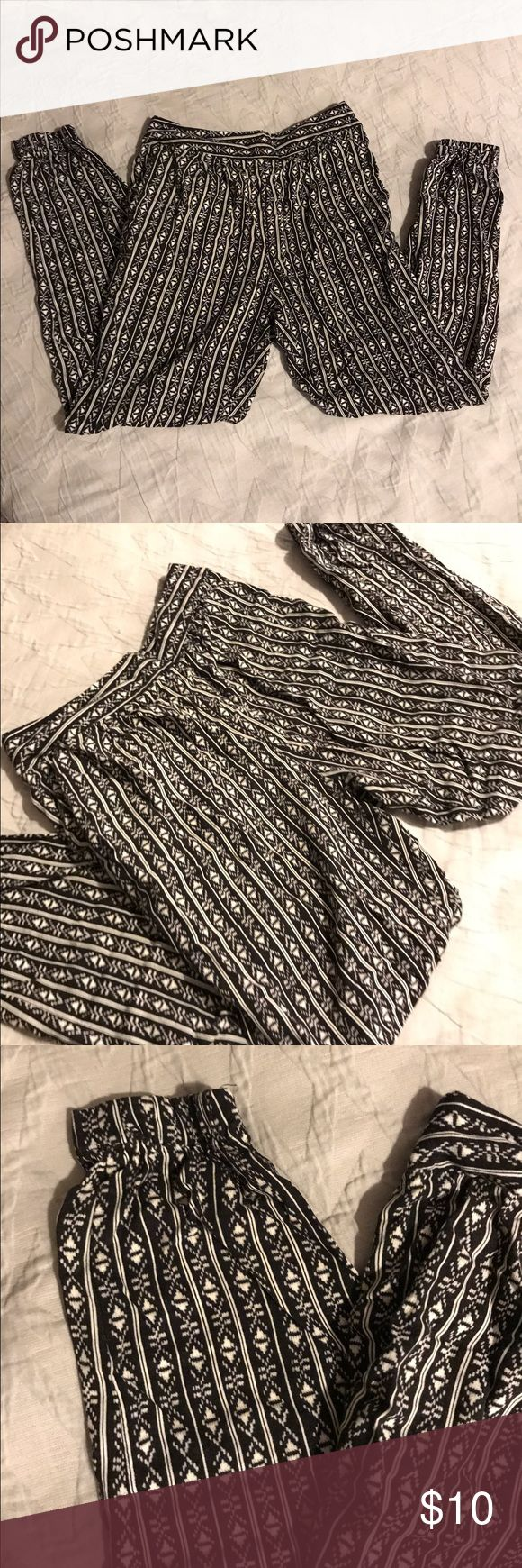Forever 21 Black & White Jogger Pants Size Small Never worn, without tags... Forever 21 black & white joggers. Size small, casual pants. Forever 21 Pants Track Pants & Joggers