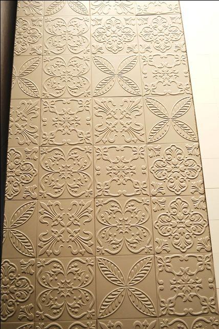 Azulejo com desenho em alto relevo - Decor Tiles