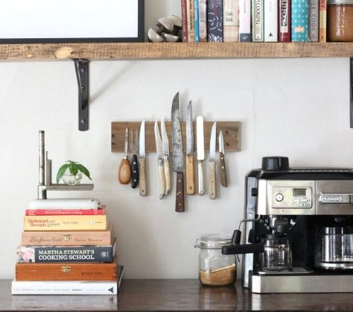 Wall rack for knives - 50 Decorative Rustic Storage Projects For a Beautifully Organized Home
