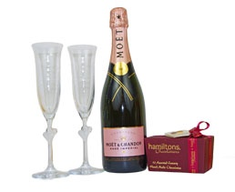 Pink Champagne. Personalised Flutes. Ballotin of Chocolate. http://www.allthebesthampers.co.uk/product/680-let-there-be-love/