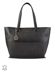 http://nelly.com/se/kl%C3%A4der-f%C3%B6r-kvinnor/accessoarer/v%C3%A4skor/dkny-114/ew-shopper-w-pocket-114610-14/