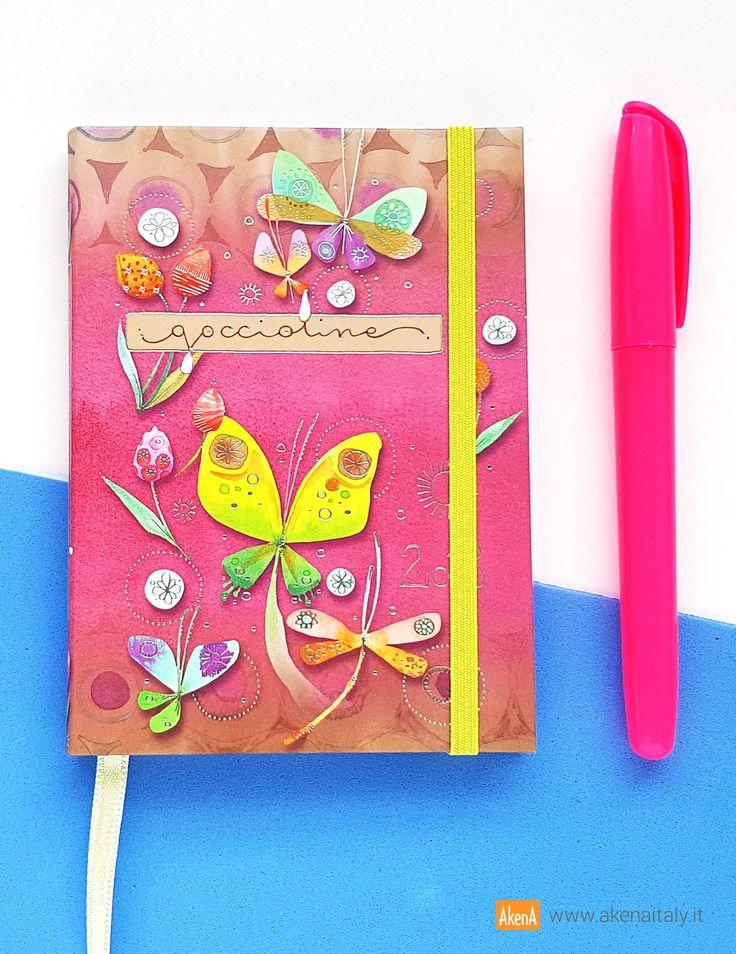 Agenda settimanale 12 mesi 2018, piccolo formato, con copertina morbida rosa illustrata con farfalle e libellule e decorata con dettagli in lamina d'argento