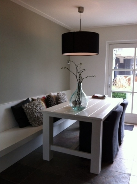 ♥white table, white bench with cushions, grey feature wall, french doors, grey lampshade in dining room. Lovely