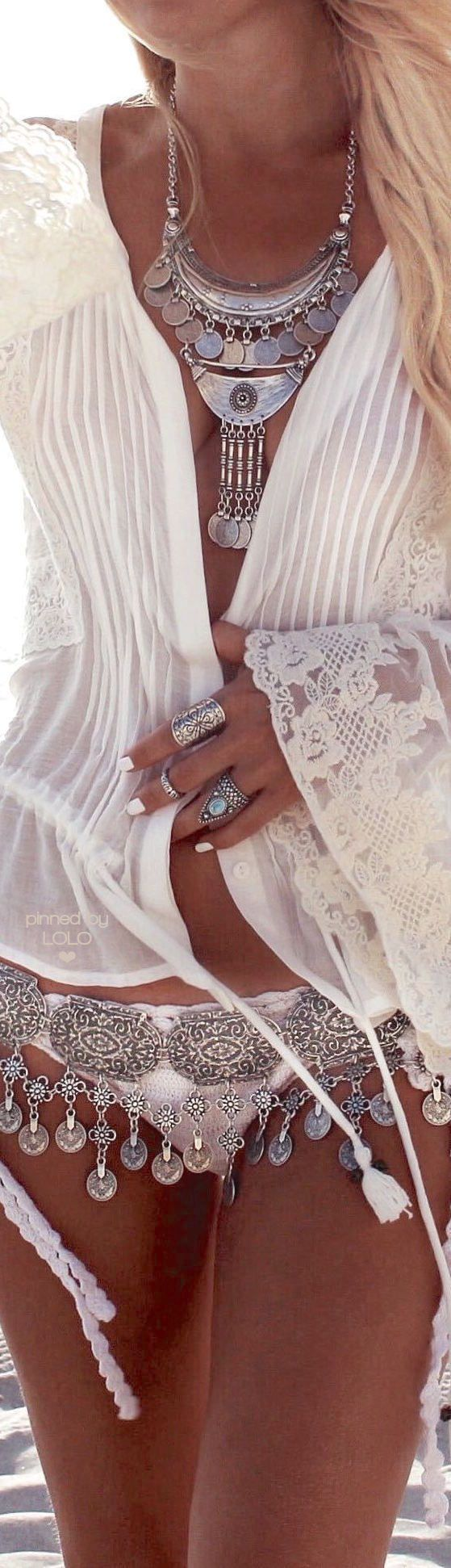 Best 25 big jewelry ideas on pinterest wedding day for Walk in closet abbreviation