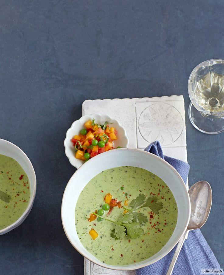Fruchtig, farbenfroh und flink gekocht - unsere Erbsensuppe ist ein Paradebeispiel dafür, dass Einfaches auch raffiniert sein kann.