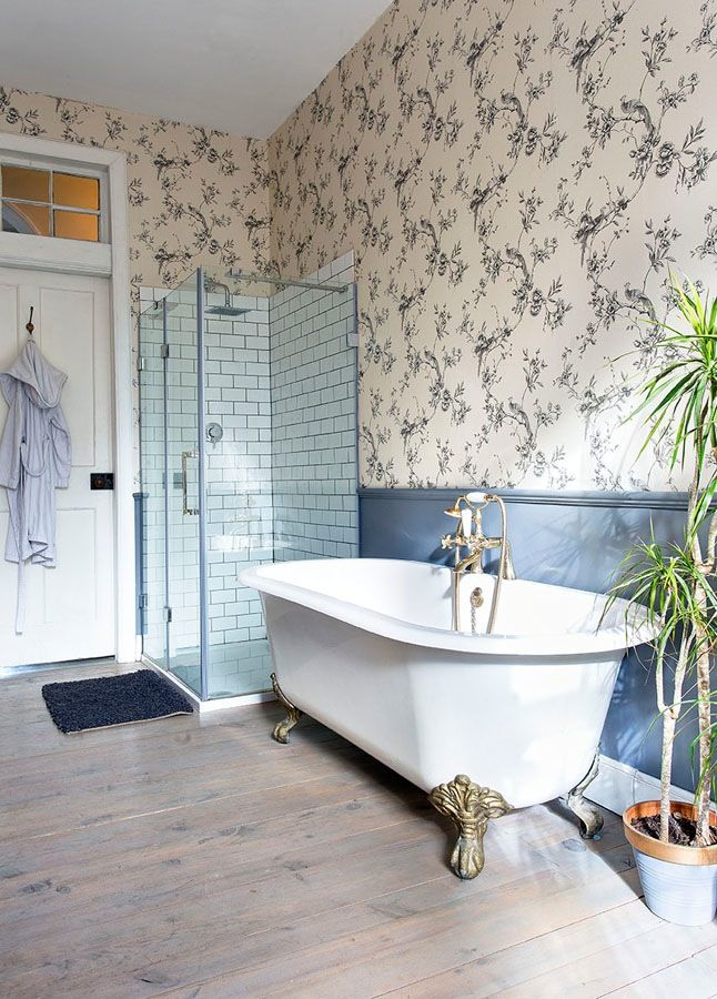 Grey chinoiserie wallpaper bathroom interiors by fantoush for Home wallpaper fired earth