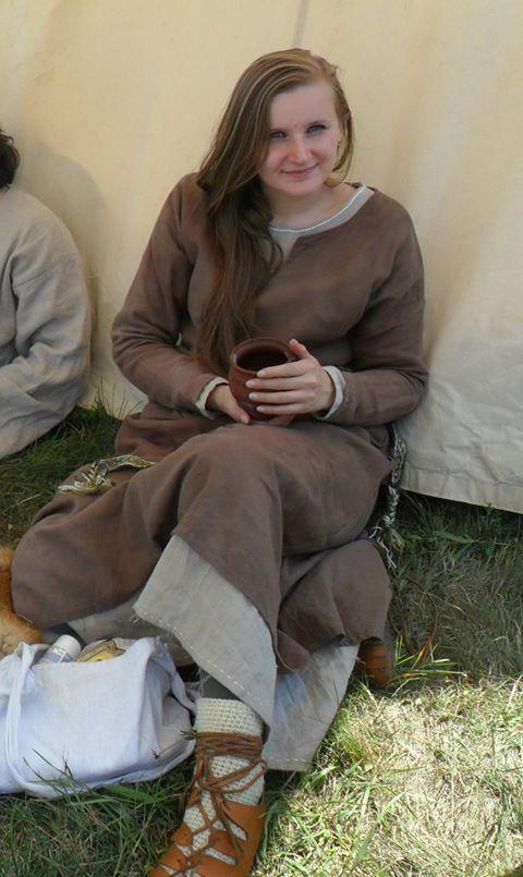 medieval linen costume