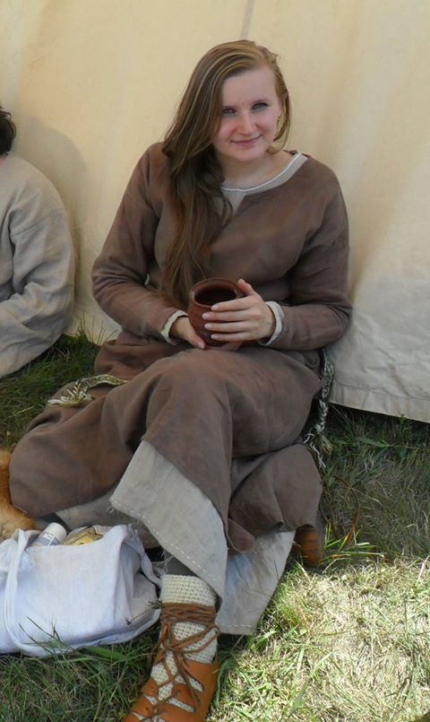 medieval linen costume