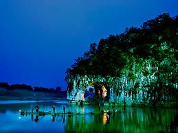 #Guilin Photography Tours packages are designed and guided by experts of China Photographers Association that enable you to appreciate not only the amazing natural landscpage and cultural treasures.  http://www.holidaychinatour.com/city_tour_class.asp?id=100